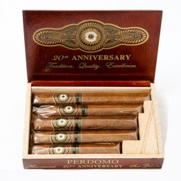 Perdomo 20th Anniversary Sun Grown Gift Pack