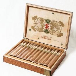Santa Esmeralda Churchill