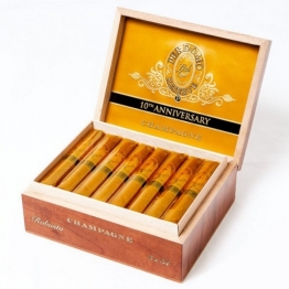 Perdomo Reserve 10 years Anniversary Robusto Champagne